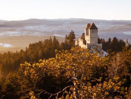 Hrad Kašperk a rozhledny v okolí