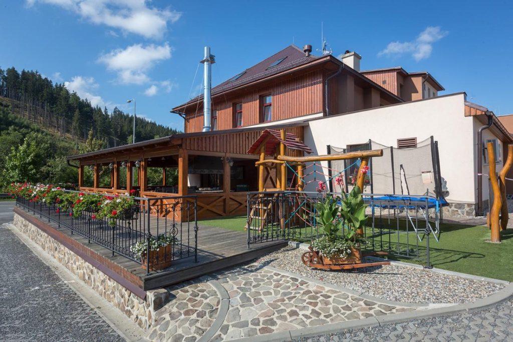 Ubytování se psem v Beskydech - Relax hotel Valaška