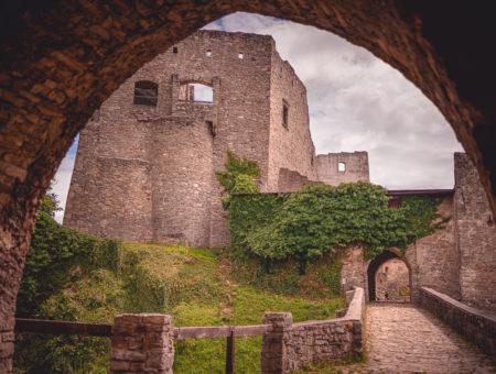 Hrad Hukvaldy – největší hradní zřícenina na Moravě